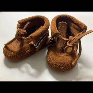 minnetonka baby moccasins